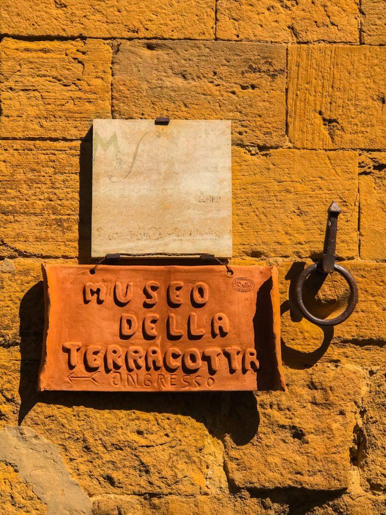 borghi insoliti petroio museo della terracotta